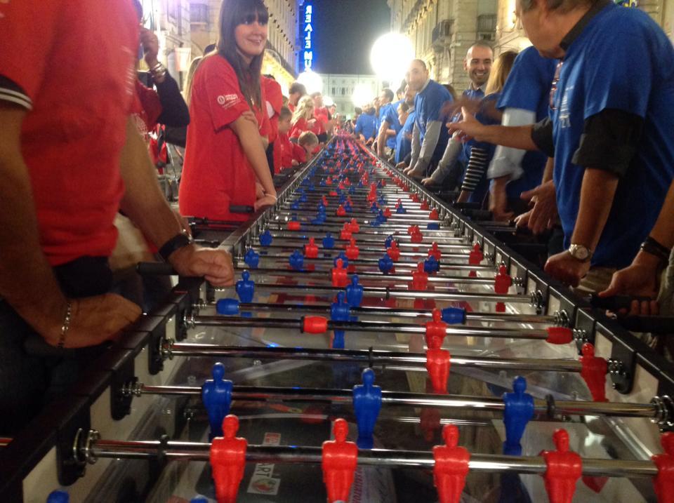 Torino nei Guinness dei primati: un campo da calciobalilla di 121 metri