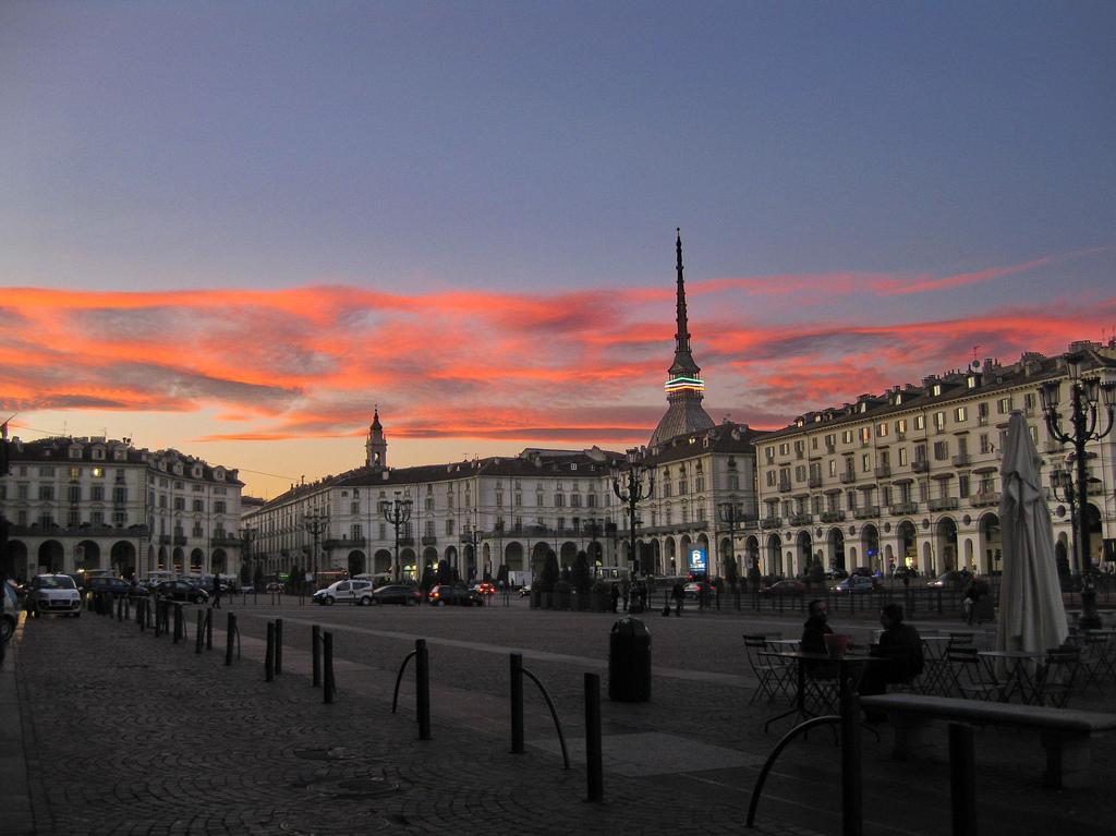 Torino, Piazza Vittorio Veneto, la verità sulla sua grandezza
