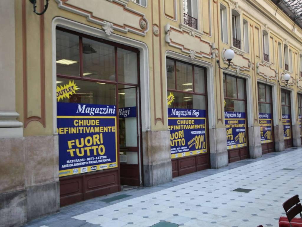Negozi storici, a Torino chiudono Buffetti, Vergnano ...