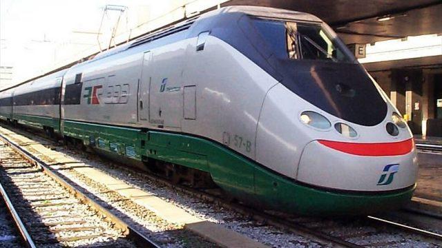 Trenitalia strappa il Servizio Ferroviario Metropolitano di Torino a Gtt: nuovi treni e più passaggi