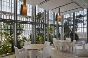 Riapre il ristorante Piano 35: il locale del grattacielo Sanpaolo torna con lo chef Sacco