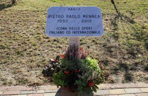Torino, il Parco Mennea già danneggiato dai vandali: sfregiata la targa dedicata al velocista italiano