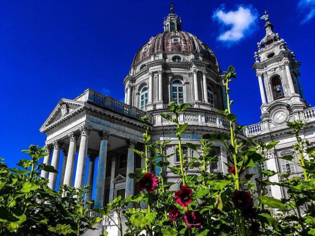 La Basilica di Superga di Torino: tra storia e tragediaLa Basilica di Superga di Torino: tra storia e tragedia