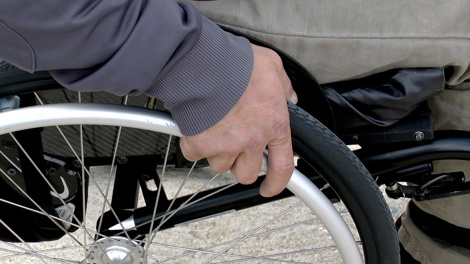 Anziana lascia 200mila euro in eredità a Comune in provincia di Torino: andranno a famiglie con figli disabili