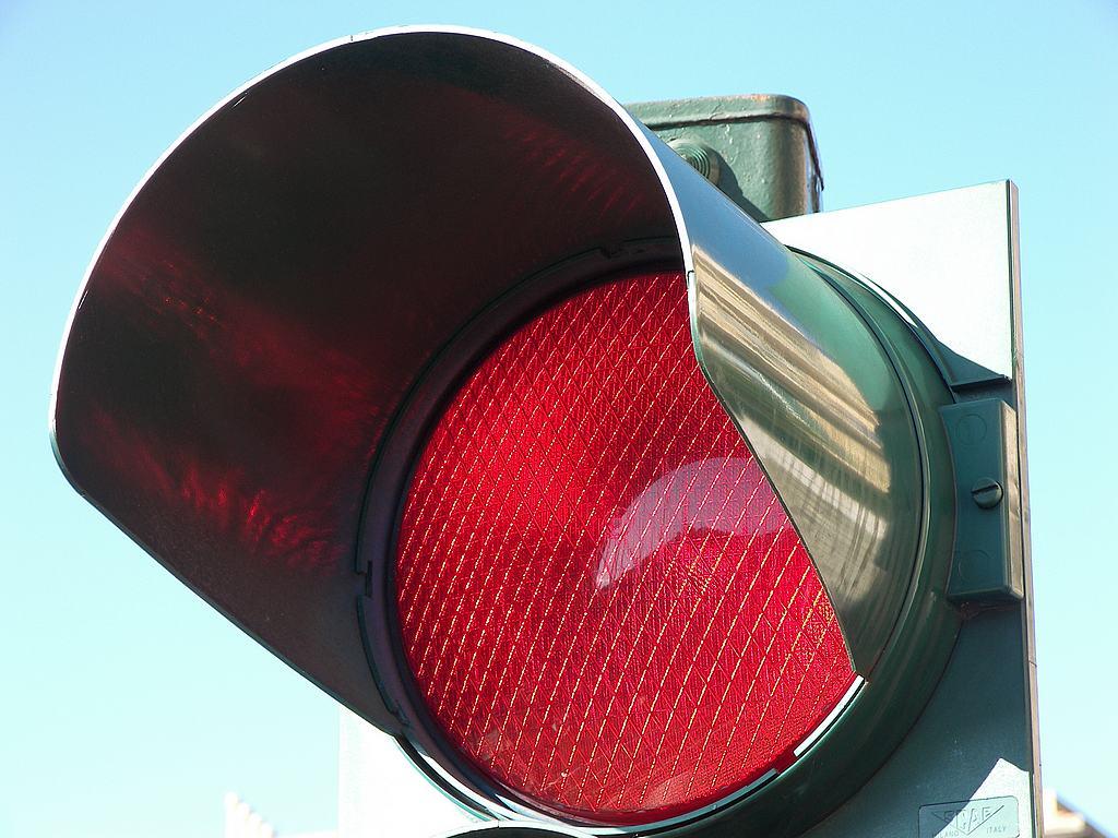 Arrivano i semafori T-Red a Torino: le multe si decideranno alla moviola