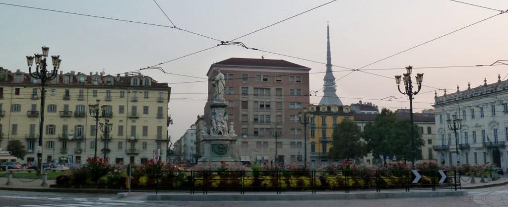 """Torino e le vie che """"ingannano"""" piazza Carlina"""