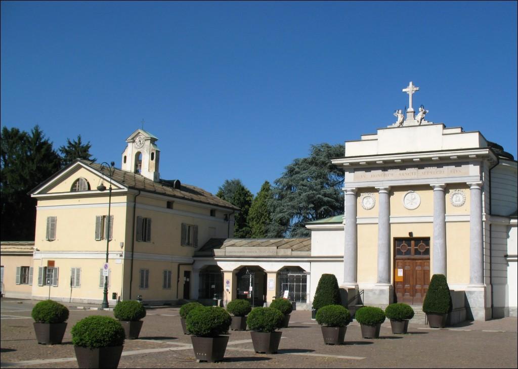 Da Gioberti a Lombroso, passando per Buscaglione: quanti torinesi riposano al Monumentale