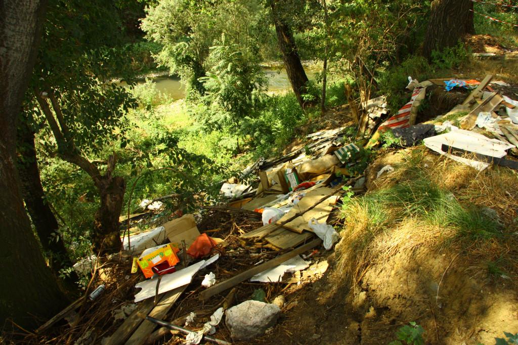 porro-26-08-2011-rifiuti-sponde-sangone-141