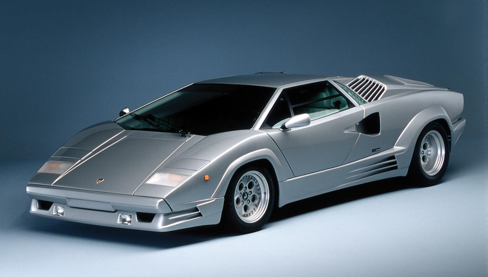 """Lamborghini """"Countach"""": un Perbacco a 300 km all'ora"""