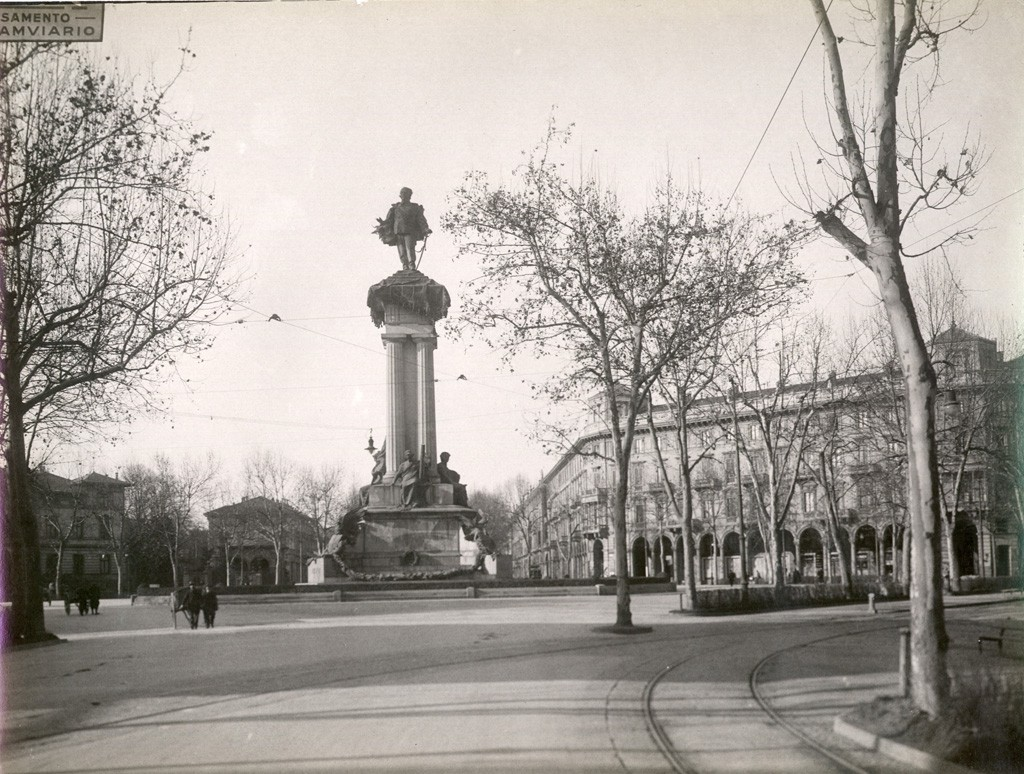 Vittorio Emanuele II, nato oggi, ancora padrone di Torino