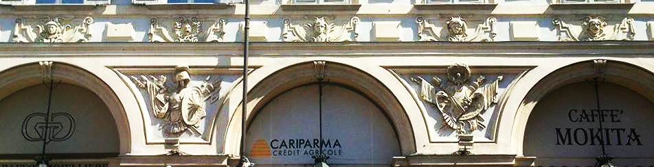Maschere in Piazza San Carlo a Torino...senza carnevale!