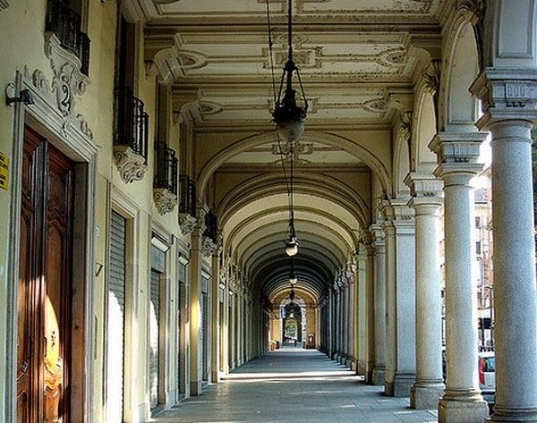 Photo of Torino esoterica: le strane apparizioni di via Sacchi