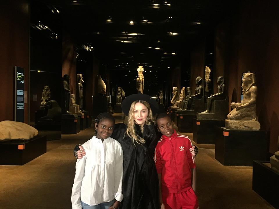Altro che Milano, Madonna in visita al Museo egizio
