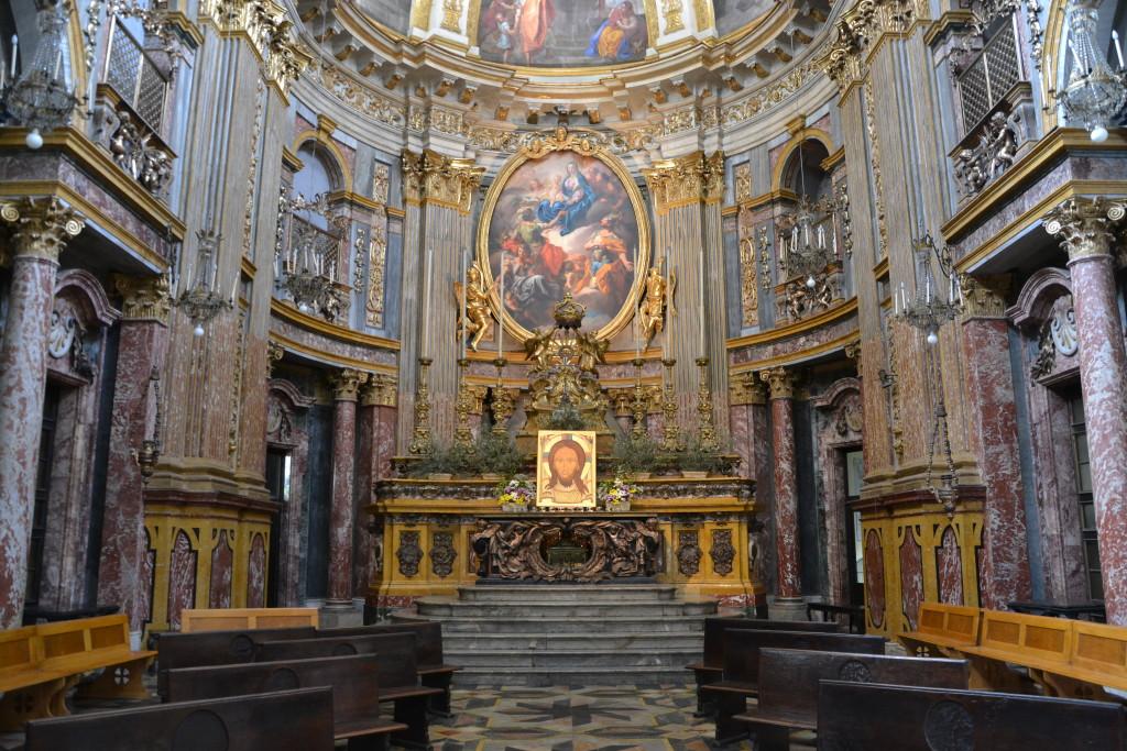 Interno della chiesa dei Santi Martiri