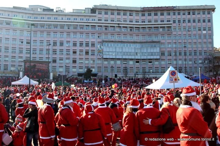Domani il raduno dei Babbo Natale per i bambini del Regina Margherita