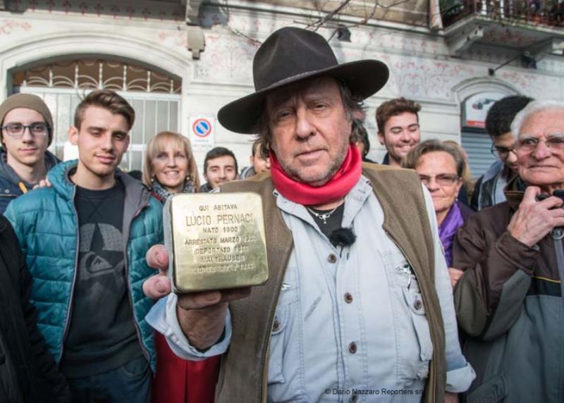 """Photo of Fino al 16/1la posa delle """"pietre d'inciampo"""" a ricordo delle nostre  vittime del Nazismo"""