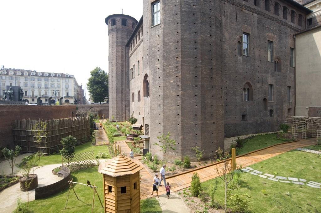 Torino Il giardino di Palazzo Madama è tornato a fiorire