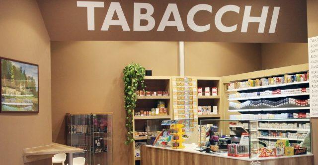 Torino, i francobolli sono introvabili: perché le tabaccherie non li vendono più?