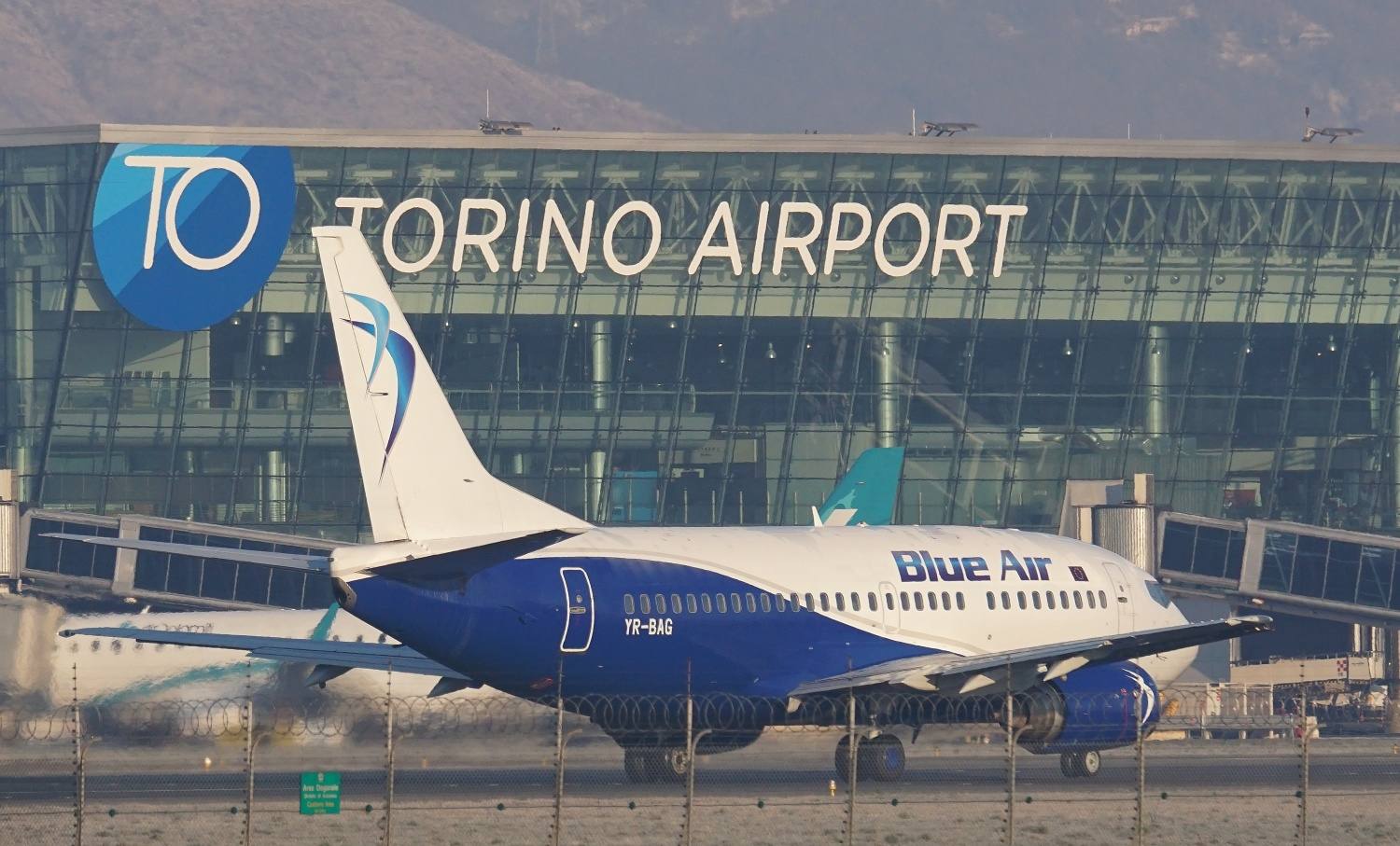 Photo of Blue Air lancia il volo Torino – Stoccolma: i turisti svedesi pronti a sciare sulle nostre montagne