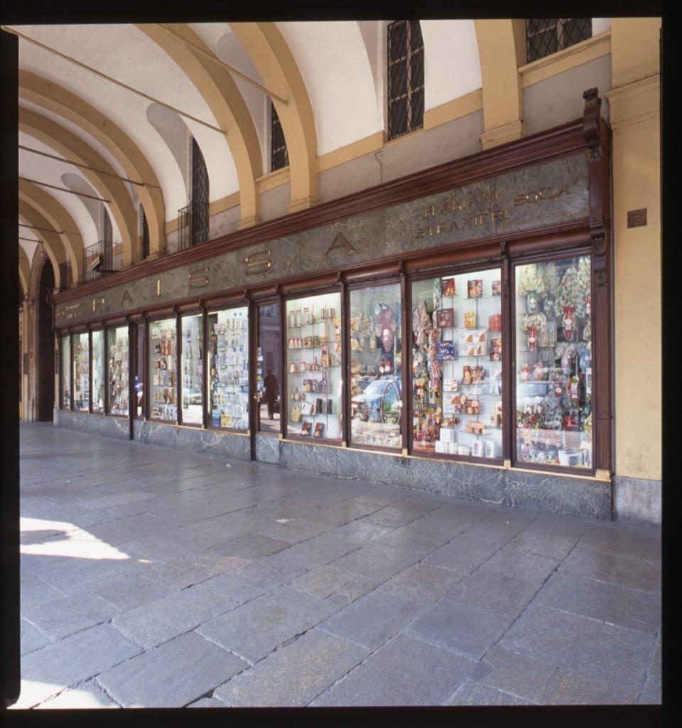 Torino, il nuovo negozio Biraghi sarà aperto in piazza San Carlo: prenderà il posto di Paissa