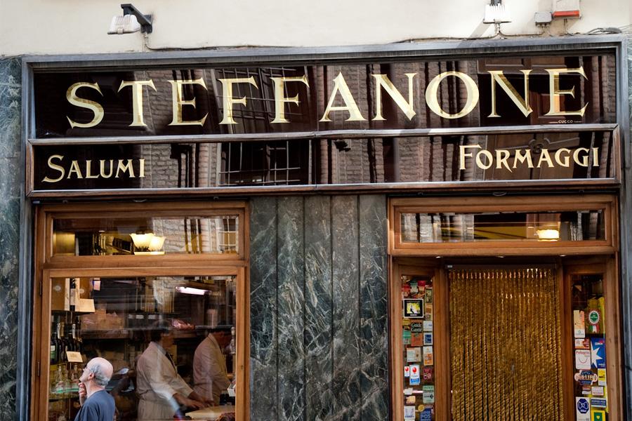 Photo of Torino, Steffanone chiude il suo negozio in via Maria Vittoria: l'attività trasloca in Vanchiglietta