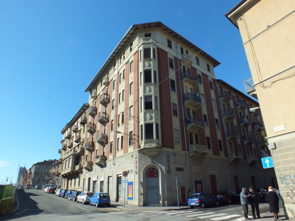 "Photo of Sempre meno cinema a luci rosse a Torino: in vendita i muri del cinema ""Arco"""