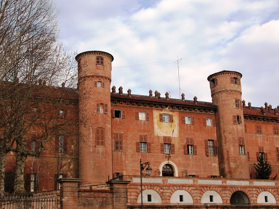 Photo of Castello di Moncalieri: cosa nasconde l'antico maniero sabaudo?