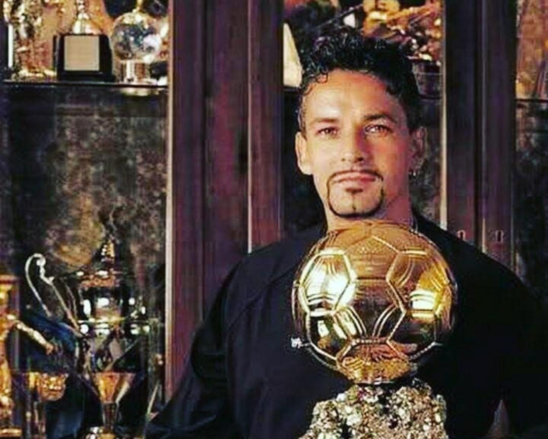 Photo of 28 dicembre 1993: Roberto Baggio vince il Pallone d'Oro