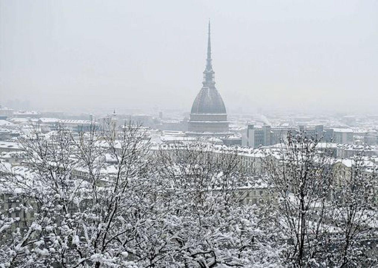 Photo of Meteo, è arrivata la neve a Torino: le previsioni delle prossime ore e di domani