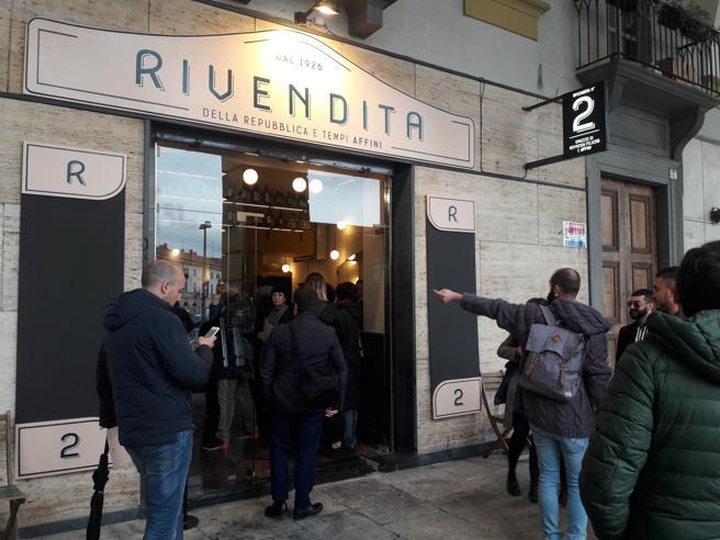 Photo of Apre a Torino Rivendita n.2, il nuovo locale della movida torinese di Porta Palazzo