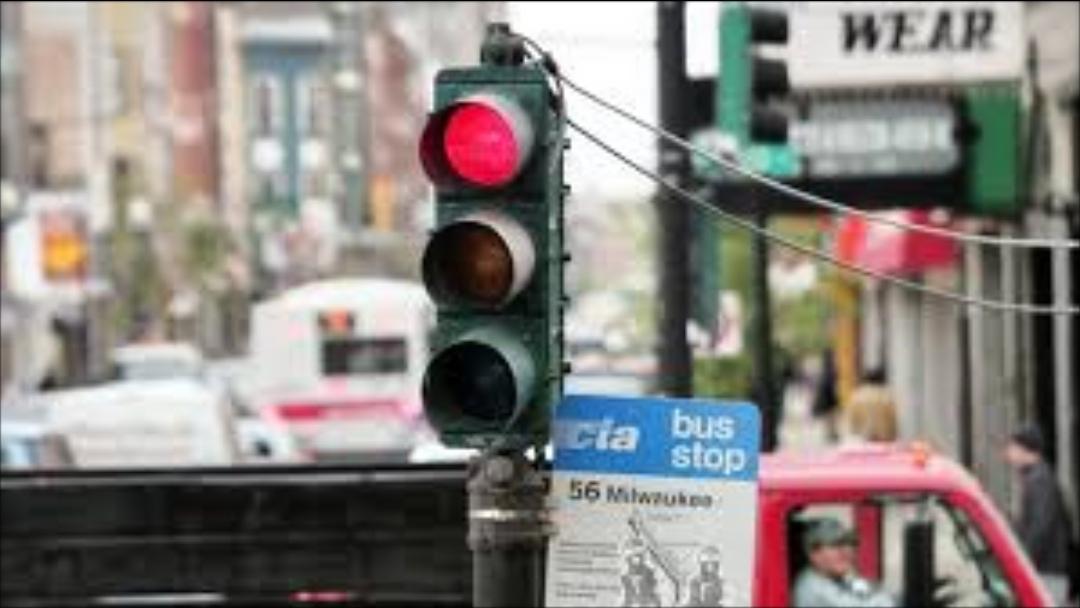 Photo of In arrivo a Torino i semafori Vista Red: multeranno chi passerà col rosso, le prime telecamere entro l'estate