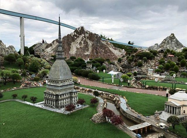La Mole Antonelliana di Italia in Miniatura è stata restaurata: dopo 2 mesi il monumento torna nel parco