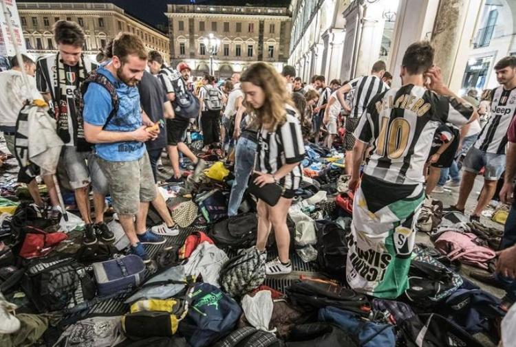 Photo of Torino, in arrivo una targa in ricordo delle vittime di piazza San Carlo: l'ok dall'ufficio toponomastica