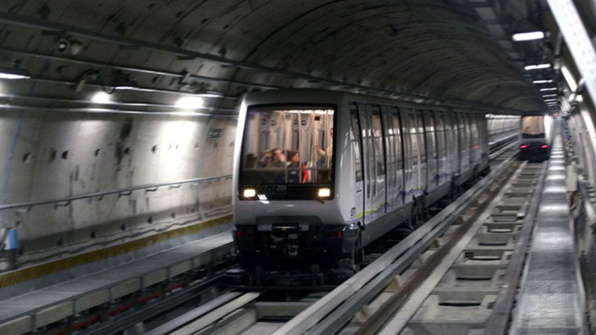 Photo of Metro di Torino, in arrivo i semafori che segnalano il sovraffollamento nei vagoni