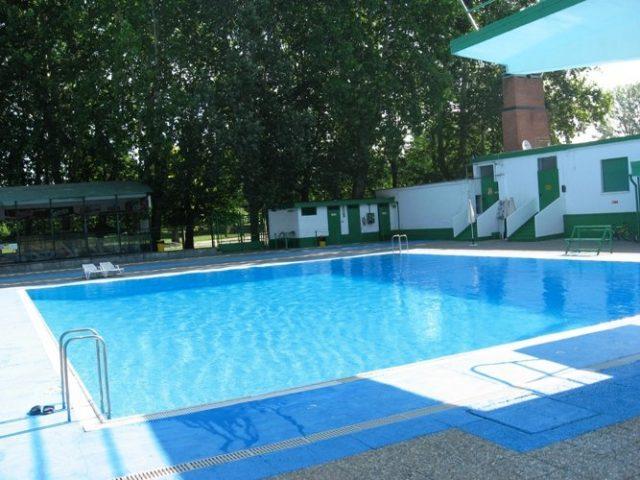 Quali sono le piscine aperte a Torino? Ecco dove combattere il grande caldo