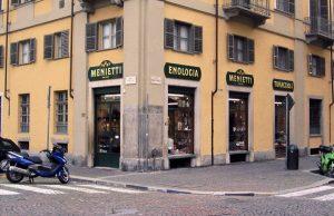 Dopo 108 anni di attività chiude a Torino l'Enologia Menietti: addio ad un'altra storica insegna