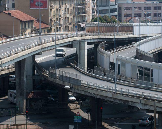 Torino, l'abbattimento del cavalcavia di corso Grosseto è stato completato: ci sono voluti 2 anni