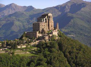 Turismo, il Piemonte premiato con 31 bandiere arancioni da TCI: seconda regione in Italia dopo la Toscana