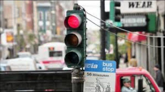 In arrivo a Torino i semafori Vista Red: multa per chi passa col rosso in 13 incroci della città