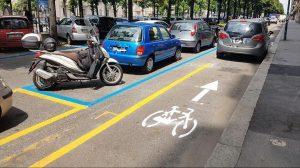 Dietrofront del Comune per la pista ciclabile di corso Lecce: va messa in sicurezza