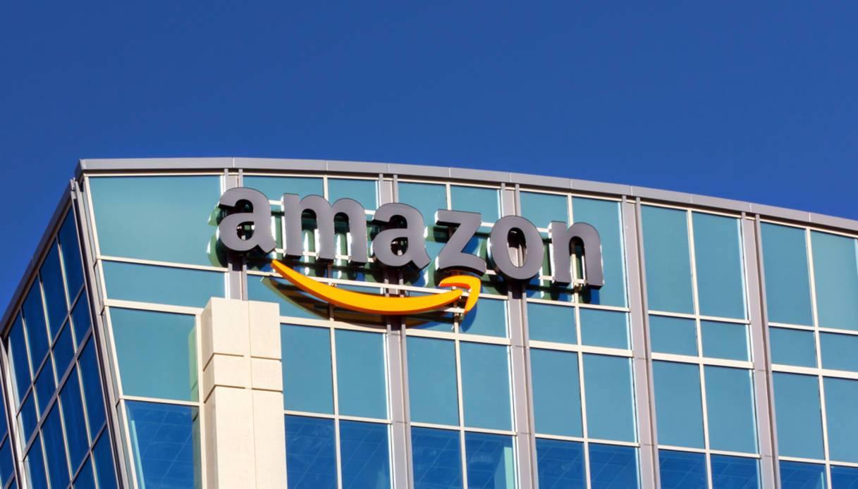 Photo of Aperto il nuovo centro Amazon di Torrazza Piemonte: entro fine anno 1000 nuovi posti di lavoro