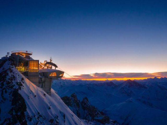 Feltrinelli apre in cima al Monte Bianco: sarà la libreria più altra d'Europa