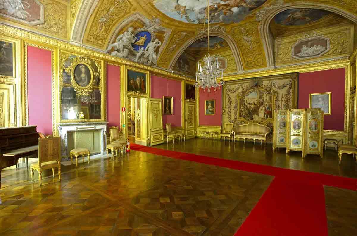Photo of Torino, Palazzo Reale apre le porte del suo secondo Piano Nobile: tre aperture straordinarie in programma