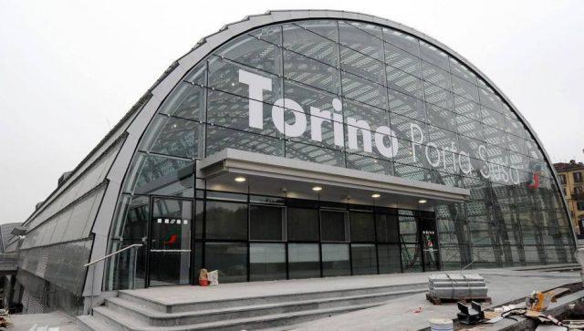 Torino, completata la pista ciclabile tra Porta Nuova e Porta Susa: il percorso unisce le due stazioni