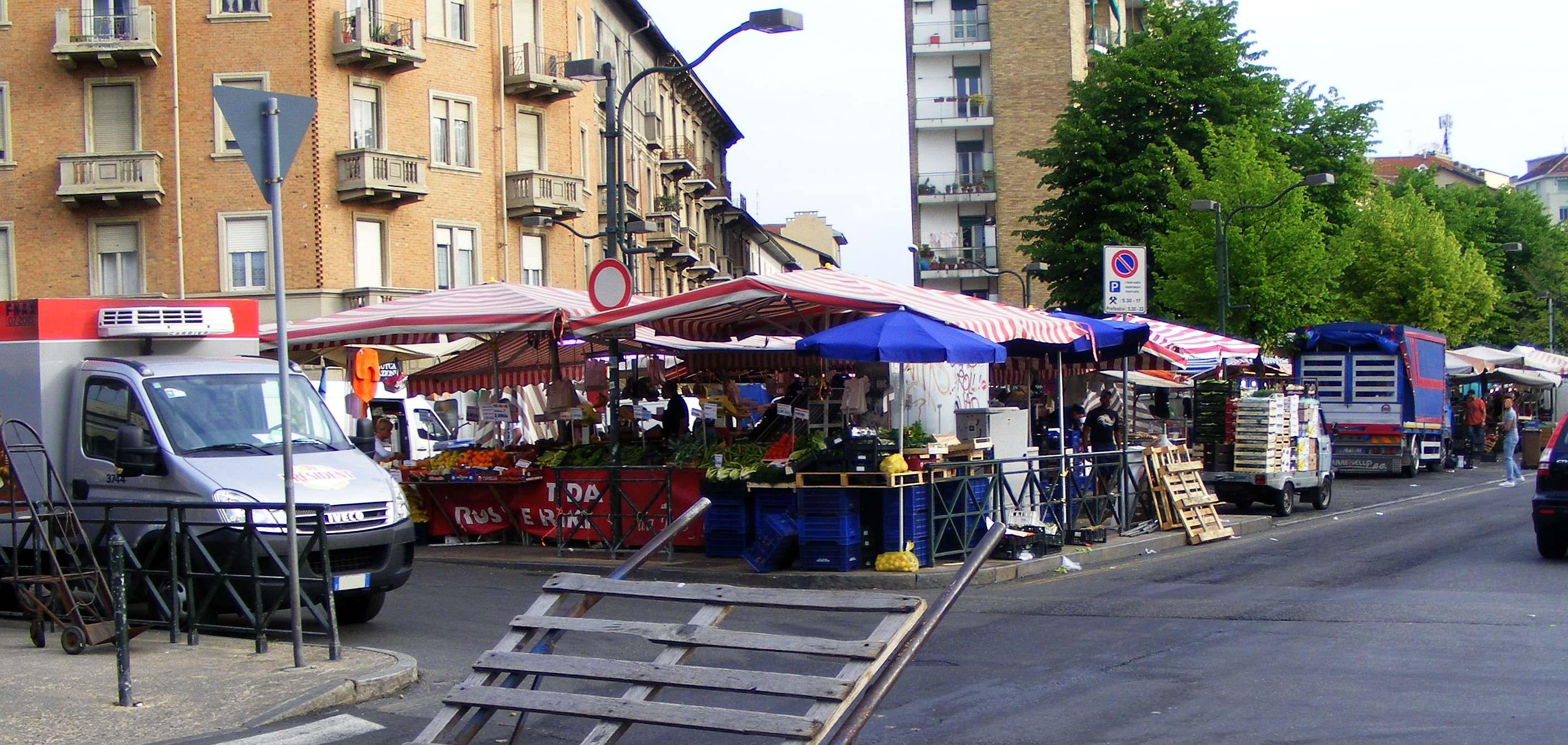Sempre meno mercati a Torino: troppe tasse, in crisi anche Porta Palazzo