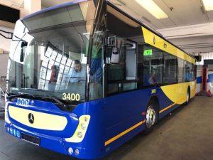 Gtt, a Torino presentati i nuovi bus gialli e blu: entro il prossimo anno arriveranno i tram