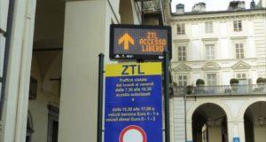 Ztl, a Torino torna attiva dopo la pausa estiva: tornano anche le strisce blu