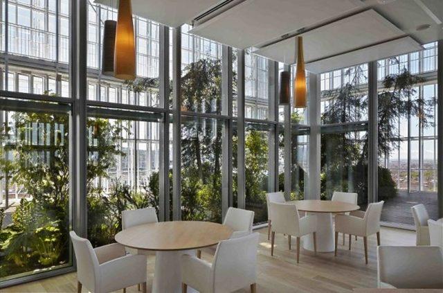 Il ristorante Piano 35 riapre: il ritorno del locale del grattacielo Sanpaolo