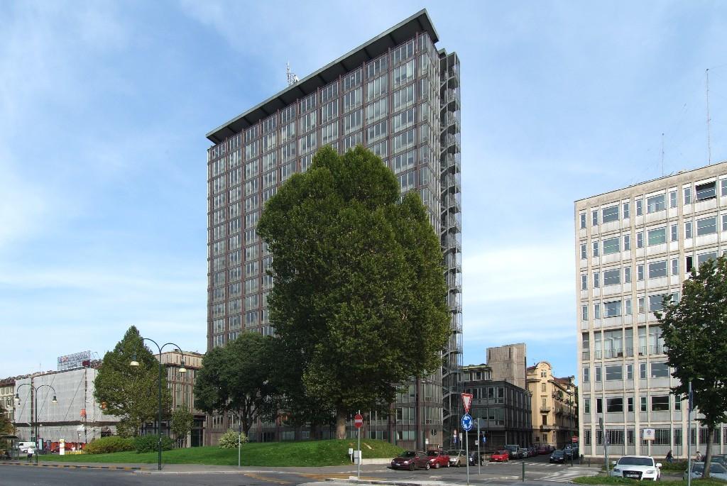 L'ex Grattacielo della Rai di Torino in vendita: tanti interessati, ma nessuno compra