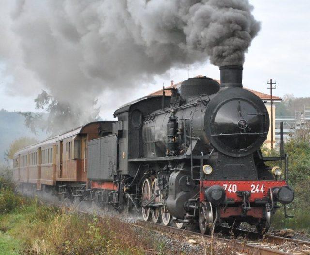 Torna il treno a vapore da Torino a Bra: viaggio slow tra arte e gusto